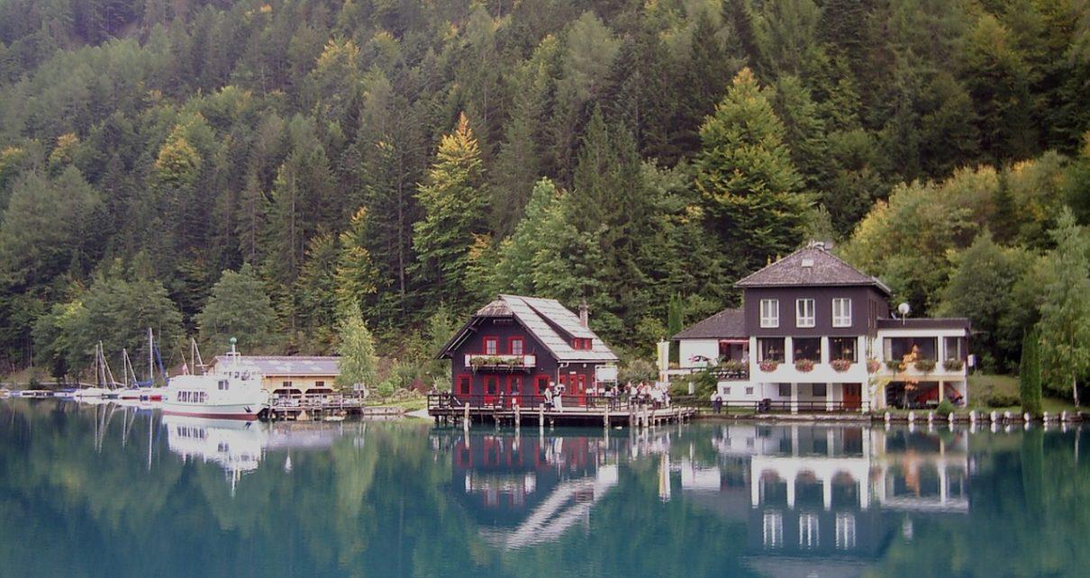 Wille wakacyjne nad jeziorem