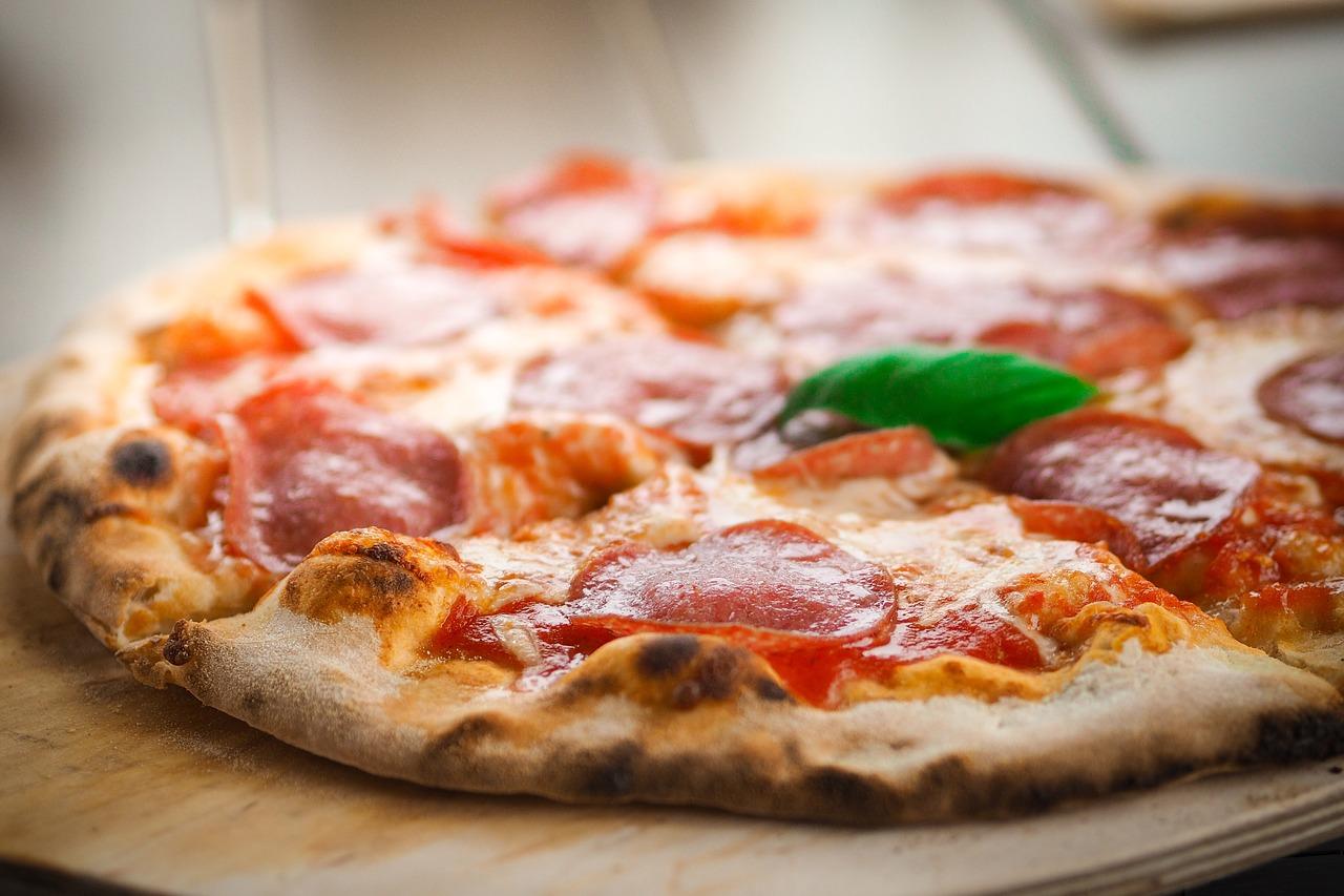 Jak wygląda włoska pizza?
