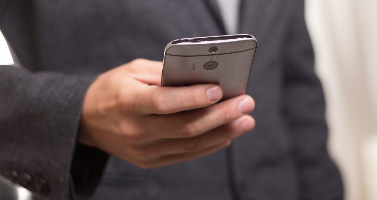 Etui na telefon - jakie najlepsze dla mężczyzn?