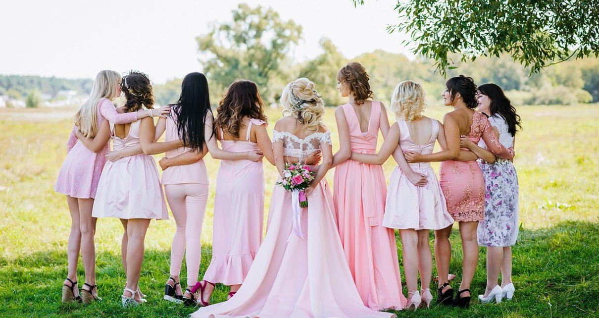 Ładne sukienki w każdym rozmiarze